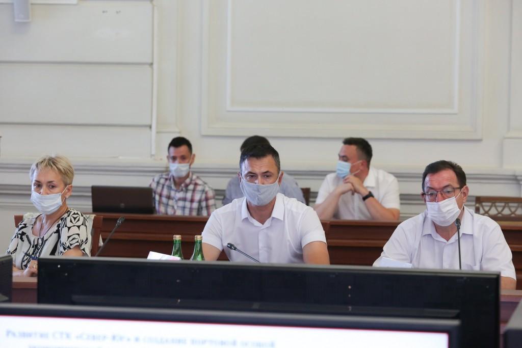 В Астрахани обсудили строительство портовой особой экономической зоны