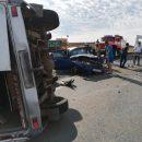 Шесть человек пострадали в результате столкновения микроавтобуса и легковушки в Астраханской области