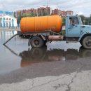 В Астрахани устраняют последствия летнего дождя