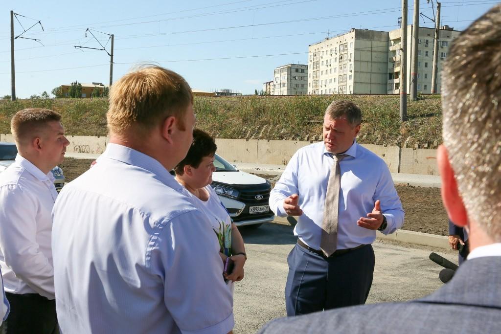 Астраханский губернатор оценил темпы строительства дорог на ул. Б. Алексеева и Куликова