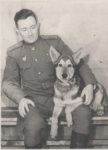 Он сопровождал Гагарина в путь