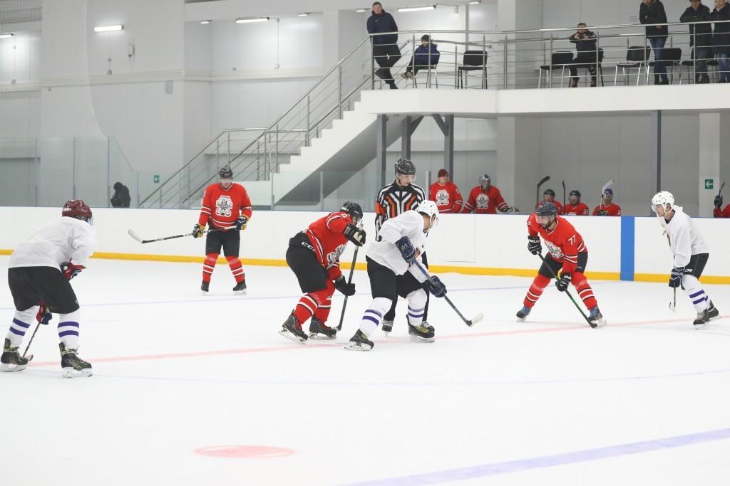 Команда администрации Астраханской области по хоккею поборется за призовые места